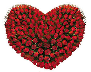 Heart Shape arrangement�of Red roses