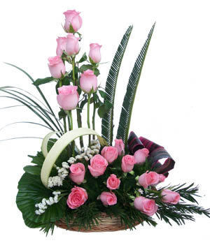 Basket arrangement of 20 Pink Roses