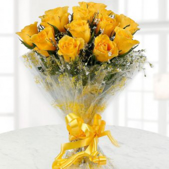 Bright and beautiful bunch of 12 Yellow Roses flowers delivery in Bright and beautiful bunch of 12 Yellow Roses