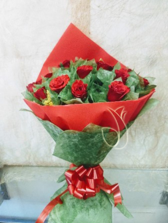 Bunch of 25 Red Roses in Red & Green Paper Packing