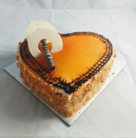 1kg Heartshape Butter Scotch Cake