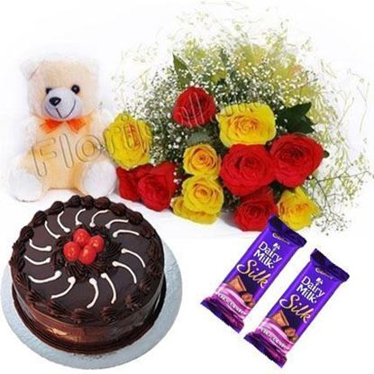 Roses Cake Teddy Chocolates